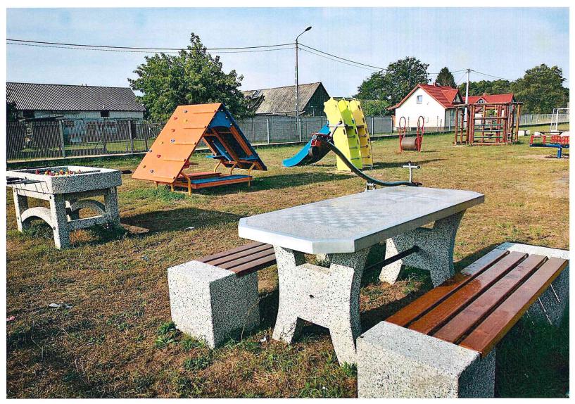 Miejsce integracji i lokalnej aktywności  w miejscowości Dzbenin w gminie Rzekuń