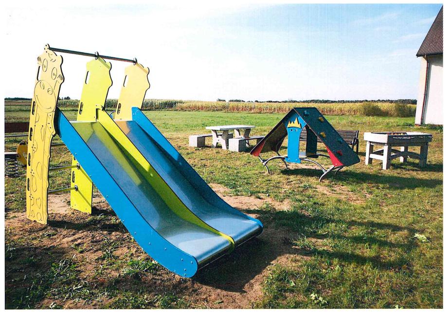 Miejsce integracji i lokalnej aktywności  w miejscowości Rozwory w gminie Rzekuń