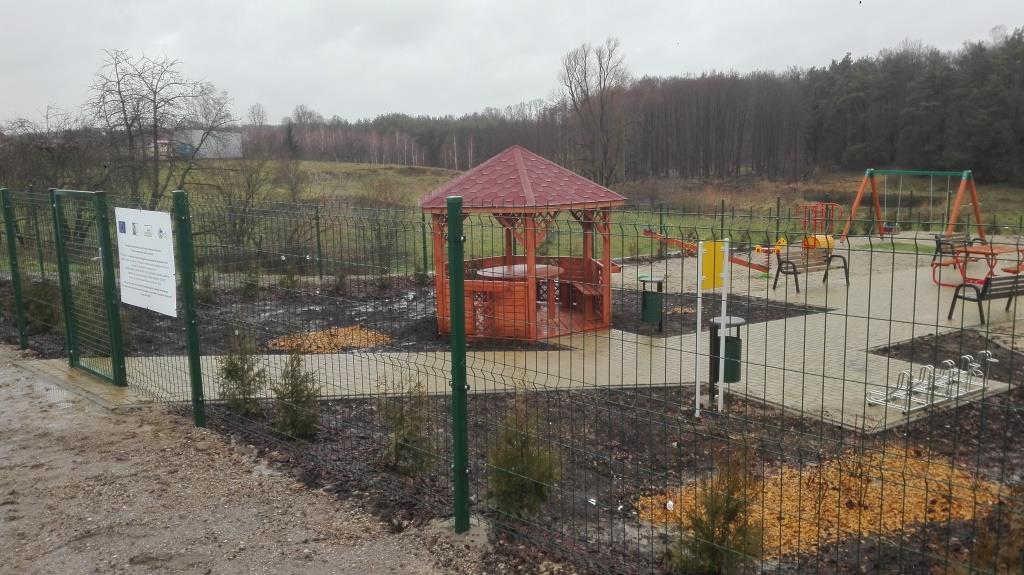 Utworzenie miejsca rekreacyjno- integracyjnego w miejscowości Łaś